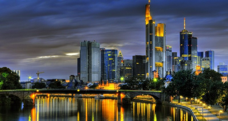 Frankfurt-Am-Main-900x1440